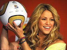 Assista à Performance de Shakira na Final da Copa Feminina Sub-17