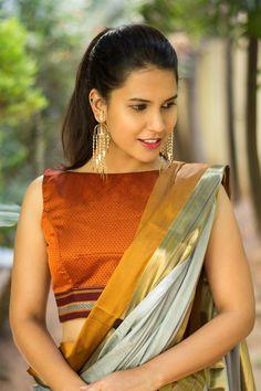 Rust orange khana handloom boat neck blouse #blouse #saree #houseofblouse #desi #indianwear #handloom #rust #orange #boatneck