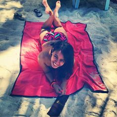 Lagu is the first beach-friendly beach blanket. Unlike ordinary towels, Lagu repels sand, allowing you to lay with ease while also conserving the beach. Its unique linen blend is allergen-free and has quick-dry properties  keeping it fresh for repeated use.    MADE IN THE PHILIPPINES. NOW AVAILABLE IN UK AND IRELAND  Available in 5 different colours (see pictures) please specify your preference when ordering. On ebay or ring 0044 7817 545387