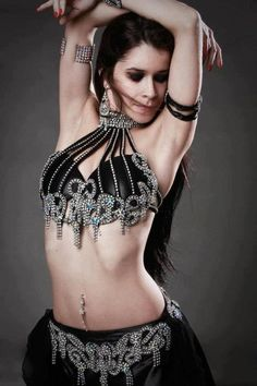 black and silver choker beaded belly dancing Belly Dance Outfit, Tribal Belly Dance, Belly Dance Costumes, Tribal Fusion, Dance Poses, Dance Fashion, Dance Pictures, Belly Dancers, Gypsy Style