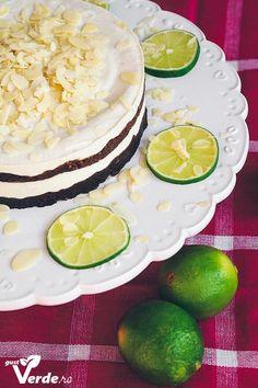 Gust Verde: RAW VEGAN: Tort cu crema de caju si lime in straturi de ciocolata (fara zahar)