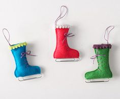 Personalize your evergreen with these playful felt mitten ornaments, perfect for the ice-skating enthusiast. Diy Felt Christmas Tree, Easy Christmas Ornaments, Felt Christmas Decorations, Felt Ornaments, Handmade Christmas, Christmas Crafts, Ornaments Ideas, Tree Decorations, Stocking Ornaments