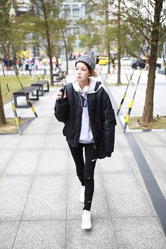 Good vibes / Cassie - King Of Hearts Stan Smith Style, Ma 1 Jacket, Look Adidas, King Of Hearts, Adidas Stan Smith, Cassie, Fasion, Yeezy, Sneakers Fashion