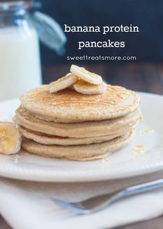 Banana Protein Pancakes on sweettreatsmore.com #healthy #breakfast #recipe