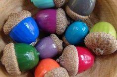 DIY : painted acorns - colorful - autumn - fall - decor - natureBasteln im Herbst Autumn Crafts, Nature Crafts, Christmas Crafts, Diy And Crafts, Craft Projects, Crafts For Kids, Arts And Crafts, Acorn Crafts, Fall Diy