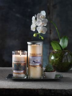 Indulge in fragrances that refresh and relax with sophisticated decor pillar candles in Vanilla and White Tea.#YankeeCandleOfficial #RivieraEscape