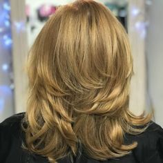 80 Best Modern Hairstyles and Haircuts for Women Over 50 Mid-Length Hairstyle with Overlapping Layers Layered Haircuts For Women, Haircuts For Medium Hair, Hairstyles Over 50, Medium Hair Styles, Curly Hair Styles, Layered Hairstyles, Pixie Haircuts, Asian Hairstyles, Mid Length Hair Styles For Women Over 50
