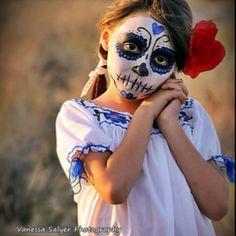 Зачем ты, мама, на дочку пялишь омерзительную маску