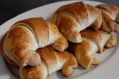 Tacofylte horn   Krydder & Kanari Bon Appetit, Bagel, Horns, Baking, Breads, Food, Bread Rolls, Horn, Bakken