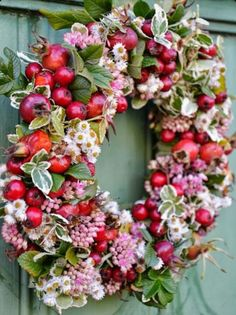 Ideen zur Dekoration im Herbst und Weihnachtszeit, Bastel Anleitungen DIY für G. Wreaths And Garlands, Fall Wreaths, Door Wreaths, Christmas Wreaths, Christmas Decorations, Easter Wreaths, Corona Floral, Decoration Shabby, Deco Floral