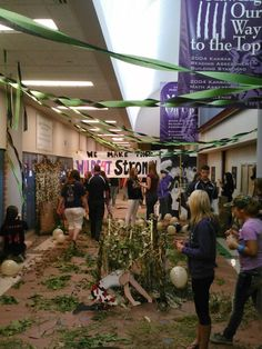 Fall Homecoming 2013: Senior Hallway decorations - we won!! (9/20/13)