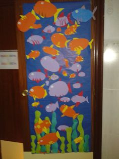 Cosas para la clase on pinterest verano childcare rooms for Decoracion puerta otono
