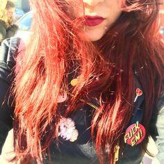 Capelli rossi spille e biker. Questo giovedi pre festivo ha una piega decisamente rock! #consiglidimakeup #redhair #redhairgirls #redhairdontcare #redhead #ibblogger #bbloggers #longhairdontcare #longhair #red #girl #selfie