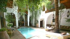 riad marrakech avec piscine Riad Marrakech, Courtyard Pool, Patio, Beautiful, Outdoor Decor, Pool Ideas, Home Decor, Spaces, Gardens
