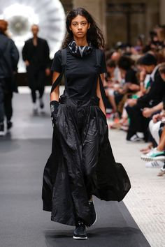 Y-3 Spring 2019 Ready-to-Wear Collection - Vogue