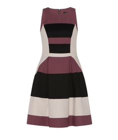 Discover the latest women's dresses from the new Cue collection. Shop our range of black dresses, evening dresses, floral dresses, casual dresses and… Casual Dresses, Dresses For Work, Buy Dresses Online, Fashion Forever, Fashion Outfits, Womens Fashion, Evening Dresses, Style Me, Topshop