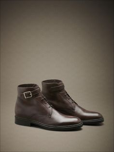 Hand-dyed calfskin ankle boots with buckle and rubber sole. #fw14 #man #accessories