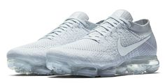 The Nike Air VaporMax will release on March 26, 2017 for $190. New Nike Sneakers, White Sneakers, Shoes Sneakers, Nike Shoes, Men's Shoes, Nike Air Vapormax, Tenis Nike Air, Men Running Shoes, Running Gear