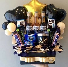 Fathers Day Gift Basket, Fathers Day Gifts, Oreos, Diy Birthday, Birthday Gifts, Themed Gift Baskets, Explosion Box, 10 Anniversary, Aesthetic Vintage