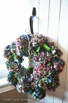 Here s a 5 minute hydrangea wreath to make... http://www.funkyjunkinteriors.net/2012/10/2-make-hydrangea-wreath-in-5-minutes.html