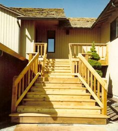Custom deck stairs by Skyline Deck & Construction. Deck Building Plans, Deck Plans, Big Deck, Laying Decking, Deck Construction, Deck Stairs, Custom Decks, Covered Decks, Wood Planks