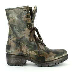 STELLA boots #army - No Place without a genius shop @ http://shop.noplace.it/index.php?id_product=318&controller=product&id_lang=6#.UnpqYXDHHVo