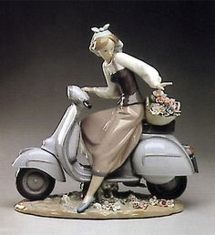 LLADRO - COUNTRY GIRL W-MOTORCYCLE