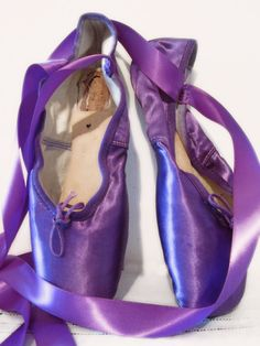 Purple Pointe Shoes by VictorianBaubles on Etsy, Purple Love, Purple Shoes, All Things Purple, Shades Of Purple, Deep Purple, Pink Purple, Red And Blue, Pointe Shoes, Ballet Shoes