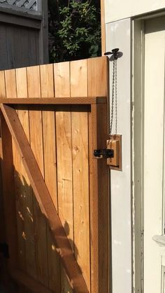 Reach that unreachable latch! The Gate Lever Front Post Mount is versatile and e. - Reach that unreachable latch! The Gate Lever Front Post Mount is versatile and easily mounted in a - Wood Fence Gates, Wooden Garden Gate, Wood Fence Design, Fence Doors, Wooden Gates, Diy Fence, Fence Ideas, Building A Fence Gate, Railing Ideas