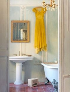 Vintage beautiful with light blue claw foot bathtub. Repin via Florence Wilson