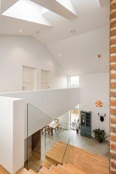 (2) FINN – Ny enebolig helt utenom det vanlige - NY i 2015 - Landlig - Eksklusivt - TG 0-1 på alle punkter Vans, Real Estate, Ceiling Lights, Lighting, Home Decor, Stairs, Decoration Home, Room Decor, Van