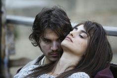 A handout picture provided by San Sebastan Film Festival shows Spanish actress Penelope Cruz (R) and American actor Emile Hirsch (L) during a scene of the film 'Volver a nacer'