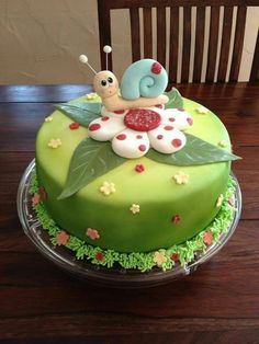 Schneckenkuchen – CreaCakes – mit Liebe handgemacht – … Snail cake – CreaCakes – handmade with love – cake Cake Decorating Techniques, Cake Decorating Tutorials, Bolo Picnic, Snail Cake, Decors Pate A Sucre, Gateau Baby Shower, Decoration Patisserie, Spring Cake, Birthday Cake Decorating