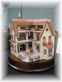 Garfield dollhouse by Kathy Davis - Maiden America: Museum of Miniature Dollhouses and other Collectables Show