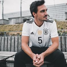Ready for Russia. The home kit. Adidas Football, Football Soccer, Germany National Football Team, Mats Hummels, Dfb Team, Toni Kroos, European Soccer, Mr Perfect, Soccer Stars