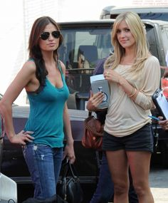 Throwback ! stacie-the-bartender-pals-around-with-kristin-cavallari-while-filming-the-hills