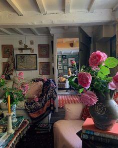Interior Design Inspiration, Home Interior Design, Interior Decorating, Dream Home Design, House Design, Room Goals, Cottage Interiors, Colorful Decor, Room Interior
