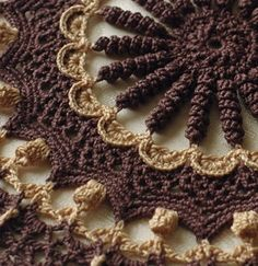 Leisure Arts Doilies With A Twist Crochet Carpet, Crochet Wool, Thread Crochet, Irish Crochet, Free Crochet Doily Patterns, Crochet Designs, Crochet Dollies, Hand Embroidery Videos, Crochet Home Decor