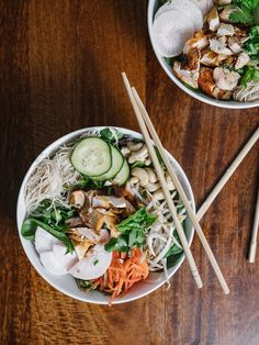 Vietnamese Noodle Bowls Recipe (Gluten Free!) - The Effortless Chic