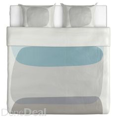 MALIN FIGUR Quilt cover and 2 pillowcases IKEA lyocell, a material that absorbs and transports moisture away and keeps you dry all night long. Ikea Duvet, Duvet Bedding Sets, Linen Bedding, Home Bedroom, Bedroom Ideas, Large Bedroom, Quilt Cover Sets, Decorating Your Home, Home Accessories