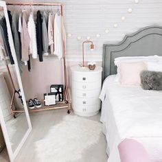pin von instyle anna auf home pinterest schminktische schlafzimmer und ankleidezimmer. Black Bedroom Furniture Sets. Home Design Ideas