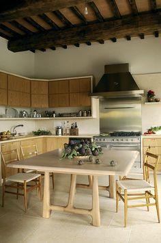Красивая, каменная резиденция в Умбрии | Дизайн интерьера, декор, архитектура, стили и о многое-многое другое
