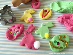 Easy home made play dough for Easter. Love those colors!