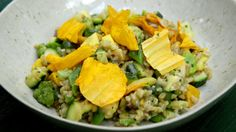 Farro Verde Succotash by Sean Brock [Update: Cook farro beforehand, takes at LEAST 30 mins! Vegan Recipes, Cooking Recipes, Vegan Food, Diet Recipes, Healthy Food, Succotash Recipe, Quick Vegetarian Dinner, Potato Dishes, Everyday Food