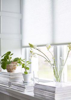 Habiller ses rebords de fenêtres avec des magazines