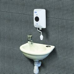 Bathroom and Kitchen goods for the UK. Showers, Taps and more. Shop here for real value on modern and traditional taps. Bath Taps, Bathroom Taps, Electric Showers, Hand Washing, Cool Kitchens, Basin, Aqua, Chrome, Modern