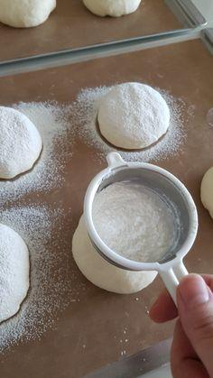 모찌빵 만들기/순우유크림빵 만들기 : 네이버 블로그 Pudding, Bread, Desserts, Food, Dessert Ideas, Food Food, Tailgate Desserts, Deserts, Custard Pudding