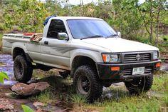 Toyota hilux ln106 singlecab