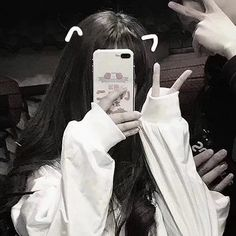 Find images and videos about cute, couple and ulzzang on We Heart It - the app to get lost in what you love. Mode Ulzzang, Ulzzang Korean Girl, Cute Korean Girl, Asian Girl, Ulzzang Girl Selca, Girl Photo Poses, Girl Photography Poses, Korean Aesthetic, Aesthetic Girl