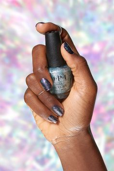 Achieve these dark nails with sparkly nail polish by combining 'Can't Be Camouflaged' with 'Lincoln Park After Dark' Sparkle Nails, Glitter Nail Polish, Opi Nails, Manicure And Pedicure, Glitter Bath Bomb, Party Nails, Fancy Hairstyles, Green Glitter, All Things Beauty